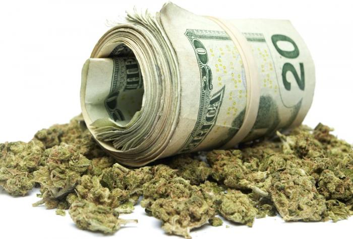 The-marijuana-industry-could-soon-make-more-revenue-than-the-NFL