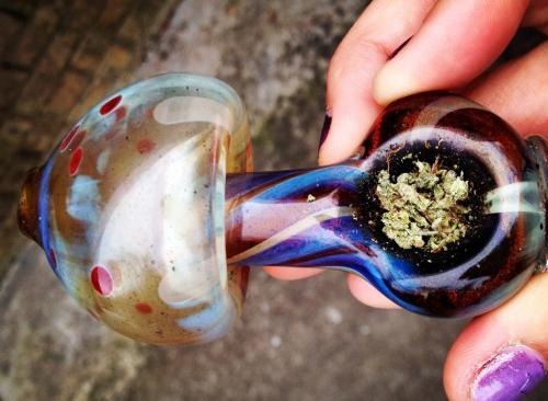 szklana fajka do trawy