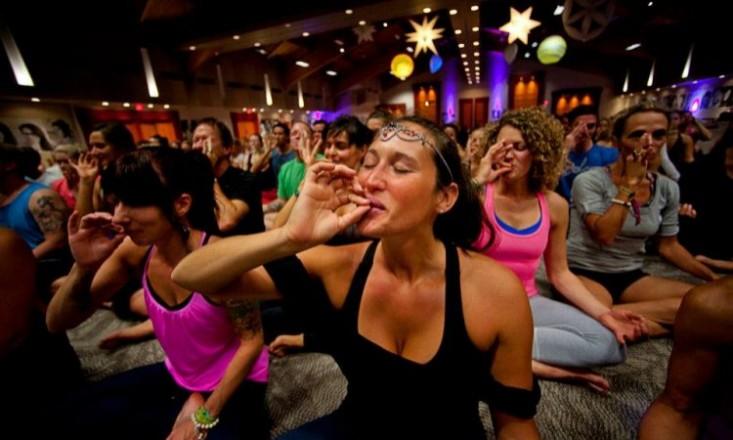 Ganja-Yoga-Classes-Offered-in-San-Francisco-hbtv-hemp-beach-tv-2014