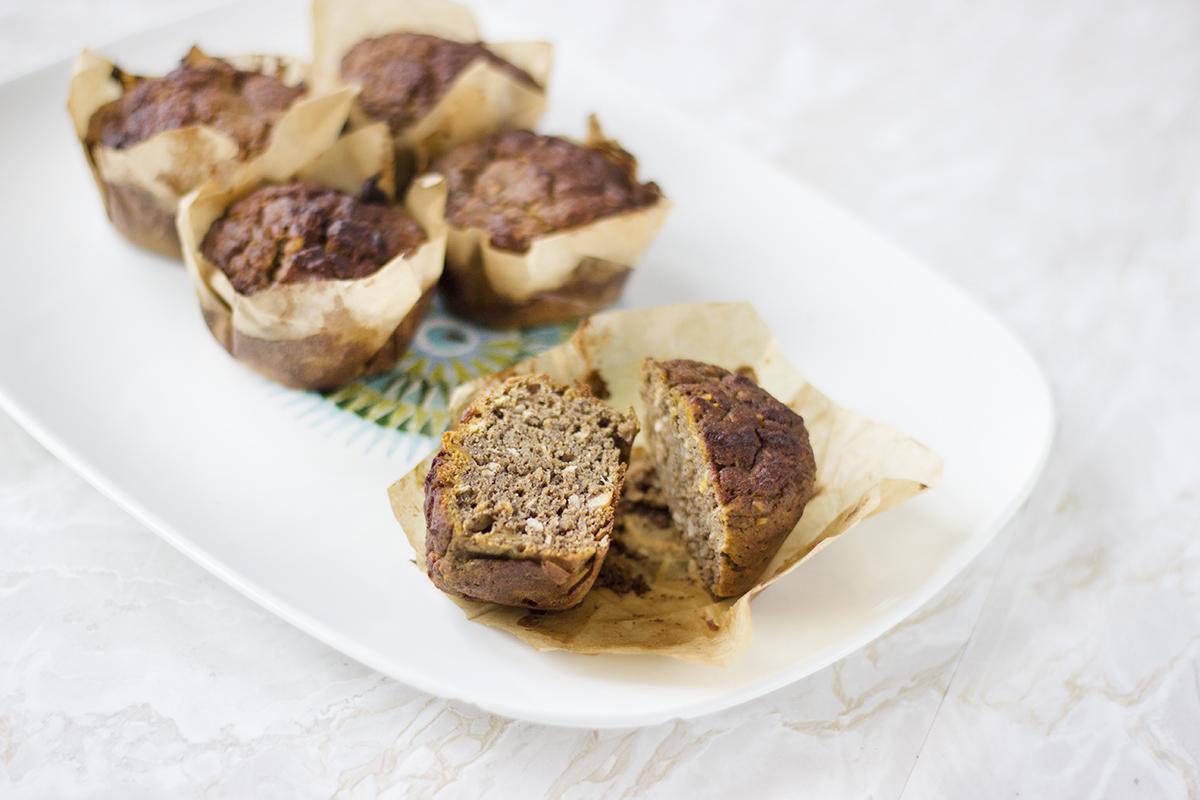 Dyniowe muffiny z masłem konopnym