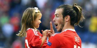 Gareth Bale z córką Albą