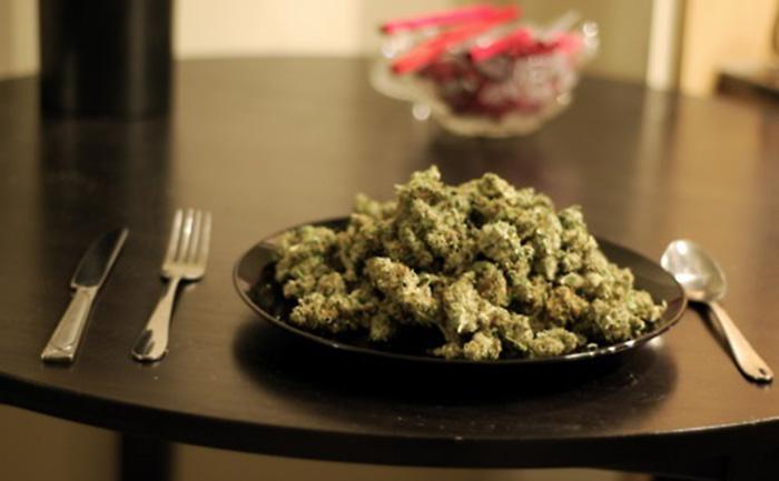 marihuana-a-dolegliwosci-zoladkowe