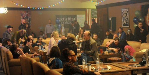 Hiszpańskie kluby konopne to nie tylko miejsce gdzie można legalnie kupić marihuanę. To także miejsce rozmów i spotkań.