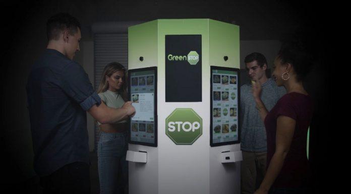 To prawdziwy hit i udogodnienie podczas pandemii koronawirusa. Firma Greenstop postawiła w Kalifornii pierwsze samoobsługowe kioski z medyczną i rekreacyjną marihuaną. Jak wiadomo w tej części USA konopie indyjskie są legalne nie od dziś.