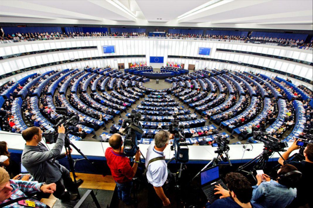 To tak naprawdę niewiele, ale mimo wszystko duży krok w drodze ku odzyskaniu konopi przez europejskich rolników. Parlament Europejski podniósł dopuszczalny poziom zawartości THC w konopiach włóknistych z 0,2 proc. do 0,3 proc.